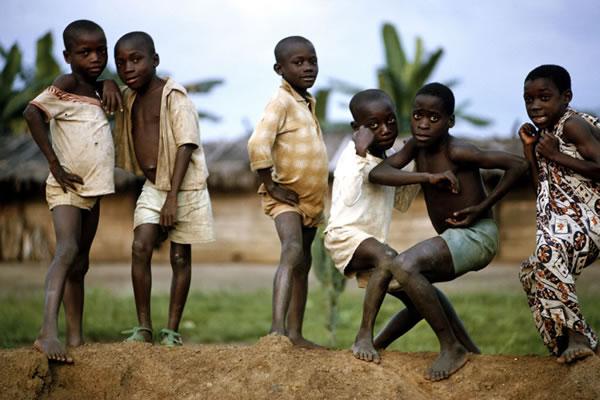 Blog de reiel : Jogos e Brincadeiras, JOGOS E BRINCADEIRAS DAS TRIBOS AFRICANAS