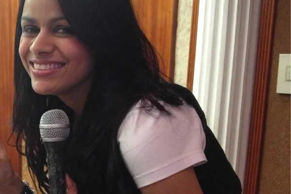 Damares no estúdio no dia 7 de dezembro de 2012, gravando CD O Maior Troféu