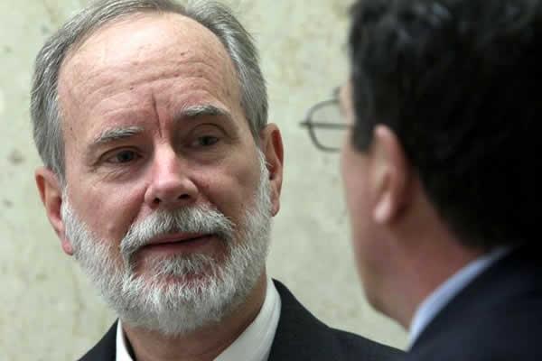 David Coppedge (a esquerda) e seu advogado - (Foto: AP - Terra)