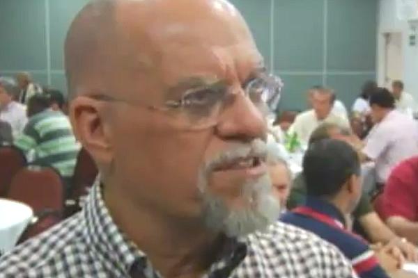 Pr. Márcio Valadão dando entrevista para Rede Super